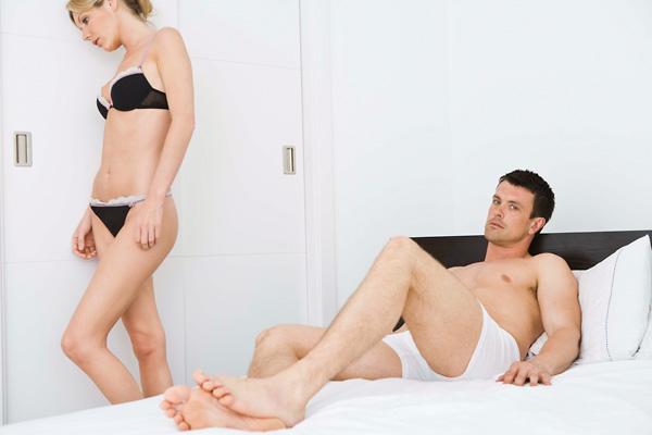 az erekció hiánya fiatal férfiaknál